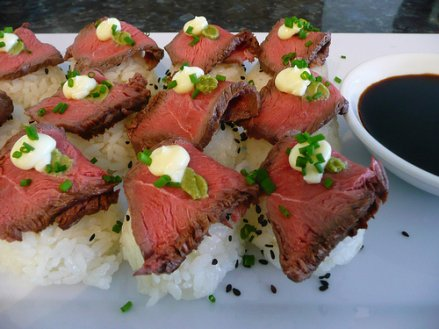 beef-sushi
