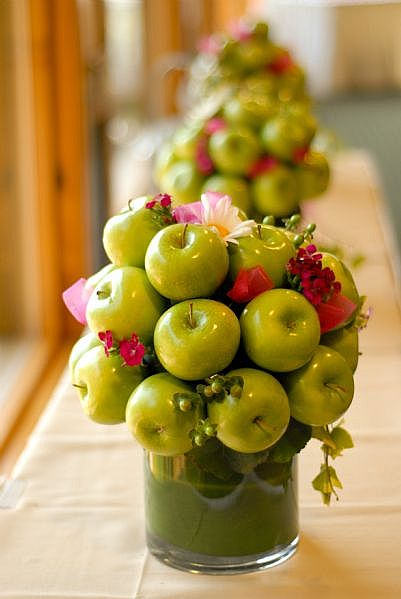 Centerpieces with Apples wedding centerpieces diy apples Green Apple