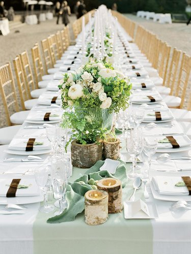 white wedding receptiont tables