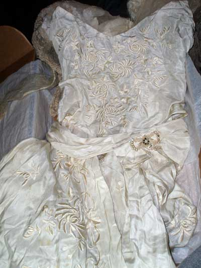 embroidered Wedding_Dress_01