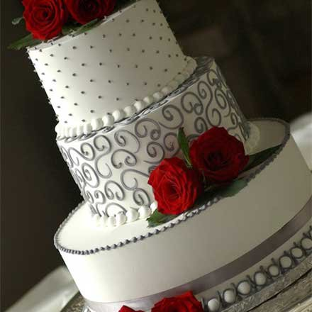 gray and red wedding cake