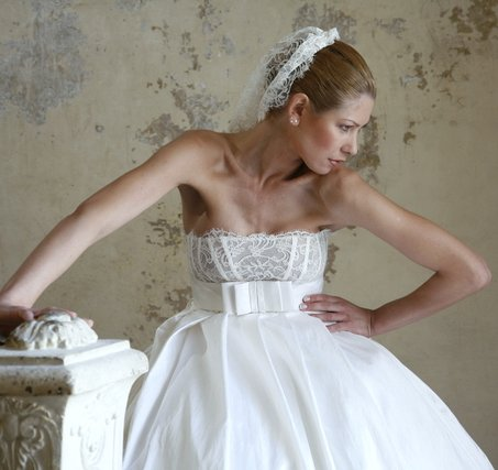 wedding gown posture