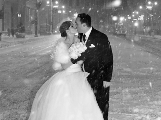 Kahora_Cardinal+Wedding+PHoto+snow+kiss+crop