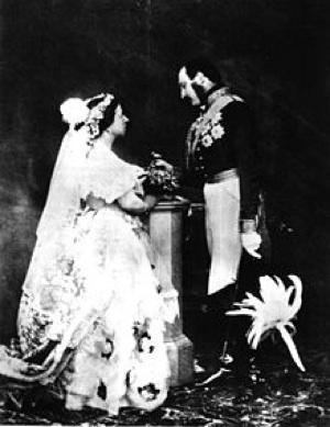 queen_victoria_albert_1854