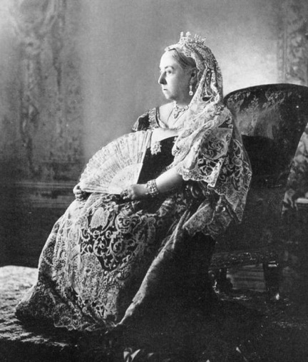 queen_victoria_diamond_jubilee_1_cropped_mid