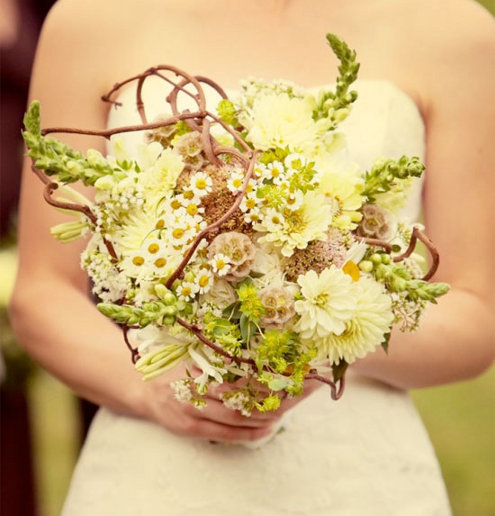 After all a too small bridal bouquet can look dinky and a too large bouquet